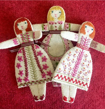 Load image into Gallery viewer, Three little folk dolls