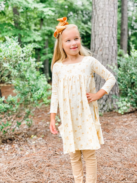 Rylie Long Sleeve Ivory Dandelion Dress