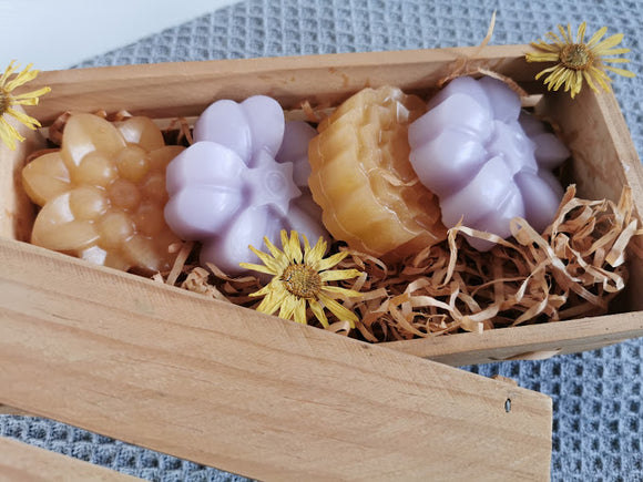 Box Set with 4 Flowering Soaps