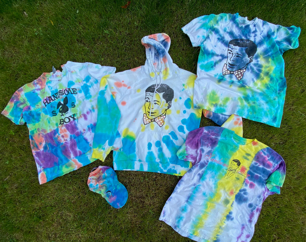 HANDSOMEBOY® Tie-Dyes the Summer!