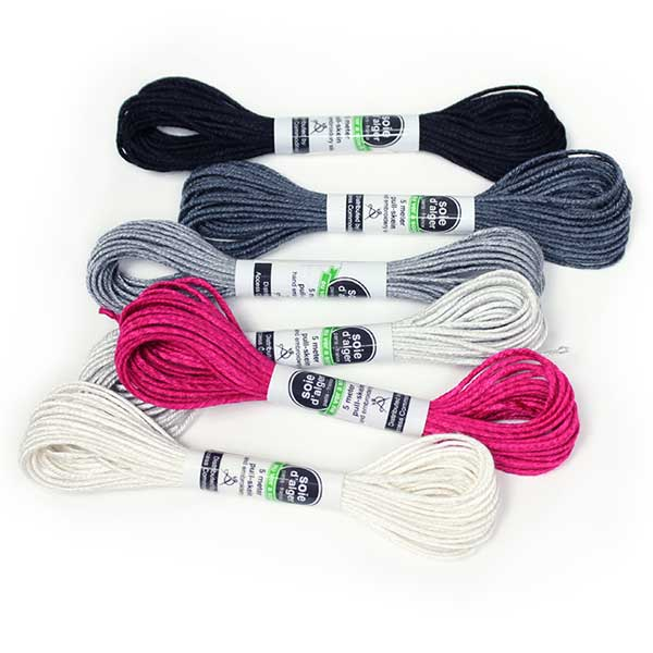 Au Ver à Soie 7 Strand Silk Alger Thread for Hand Embroidery - GRAYSCALE