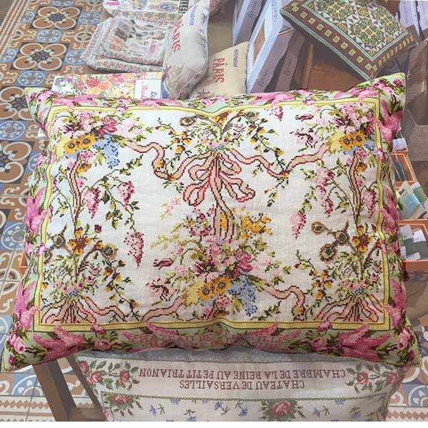 SAJOU CROSS STITCH KIT - Marie Antoinette's Cushion