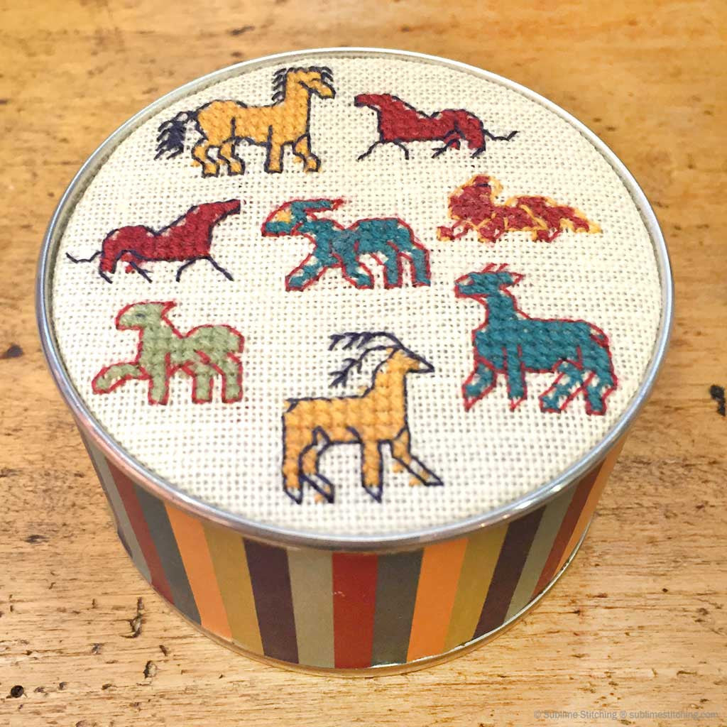 SAJOU CROSS STITCH EMBROIDERY KIT - Round Box/ Animals