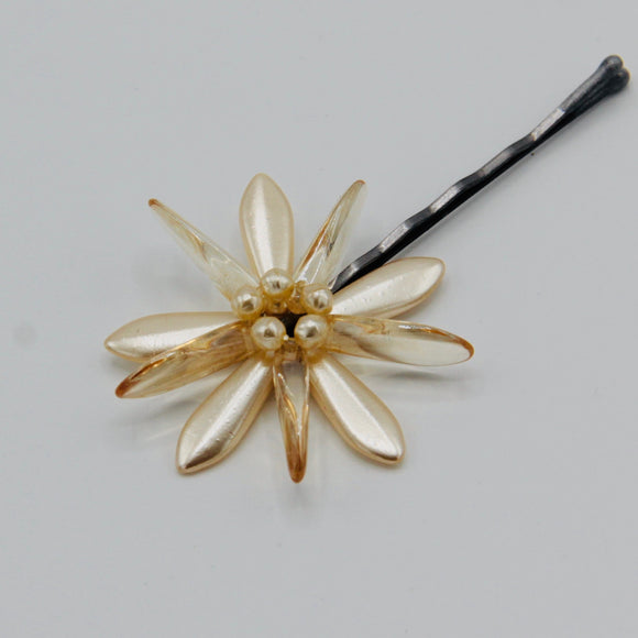 Harper Hair Pin in Cream Pearl