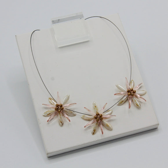 Anna Necklace in Off-White Stone Finish and Pink