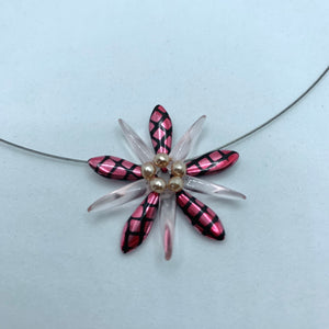 Elizabeth Necklace in Pink Metallic Crosshatch with Pearls