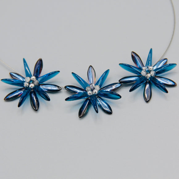 Anna Necklace in Shiny Blue