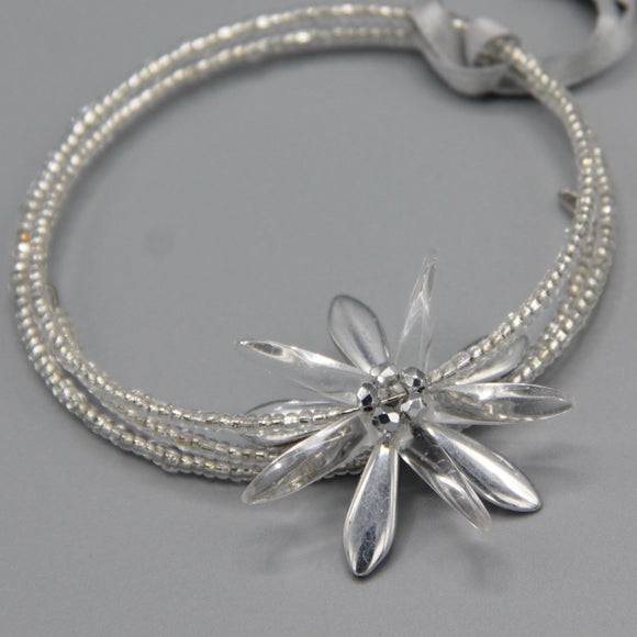 Zoe Beaded Bracelet with Shiny Silver Flower