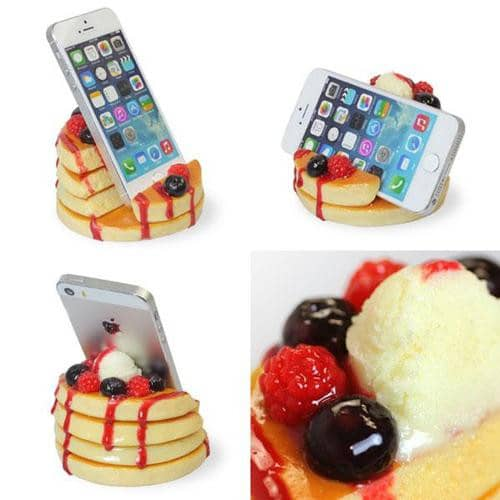 Food Sample Smartphone Stand (Pancake) (Berry Pancake) - Hamee Strapya World