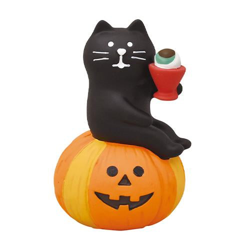 DECOLE Concombre Figures - Halloween (Black Cat on Pumpkin Cheers!)