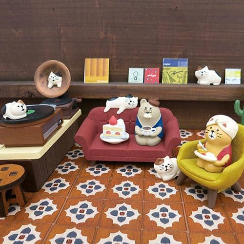 DECOLE Concombre Figures Old Style Cafe (Cat on Couch) - Hamee Strapya World
