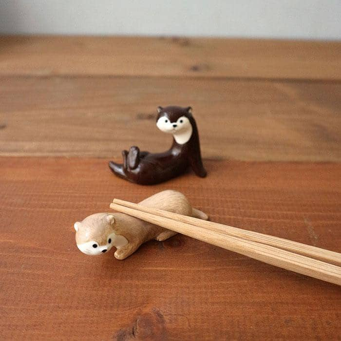 DECOLE KAWAUSO CAFE Otter Chopsticks Rest (Chocolate) - Hamee Strapya World