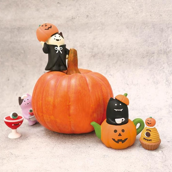 DECOLE Concombre Figures - Halloween (Monster Cat in French Maid Costume)