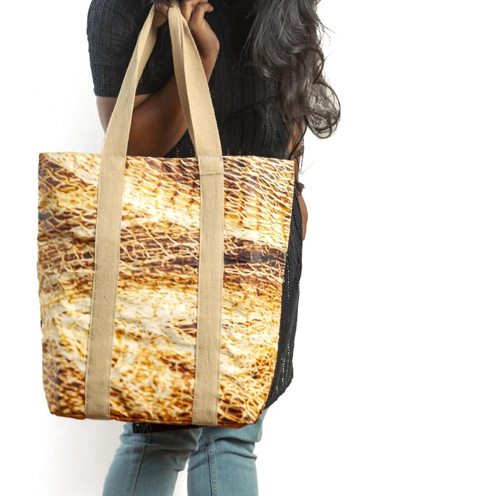 On the edge of the sea | Classic Tote Bag - Golden