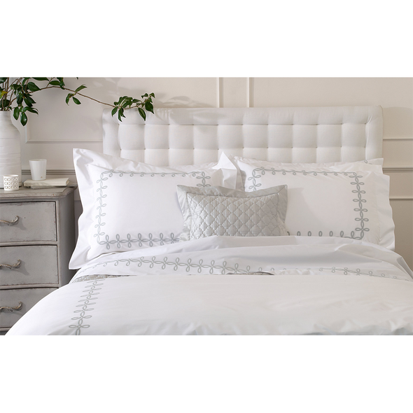 Matouk Gordian Knot Pillowcase Pair