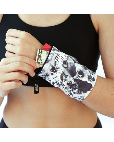 Reversible Fitness Wrist Wallet - Abstract Palm/Black