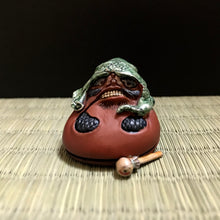 Load image into Gallery viewer, mokugyo daruma (painted)
