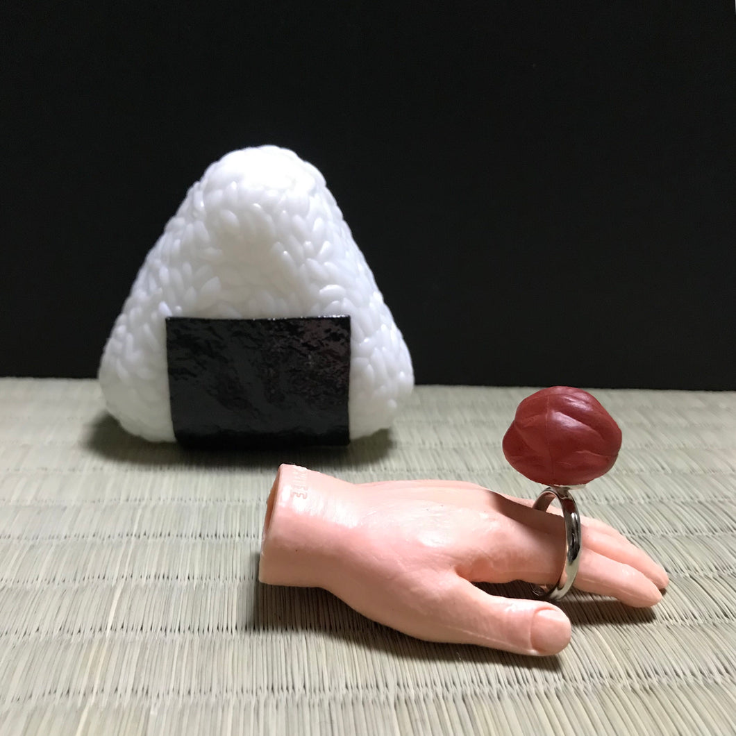 Onigiri rice ball ring (ume plum)