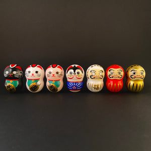 Wobbly daruma (white)