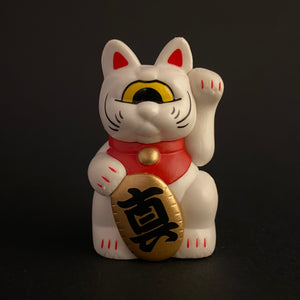 one eye manekineko