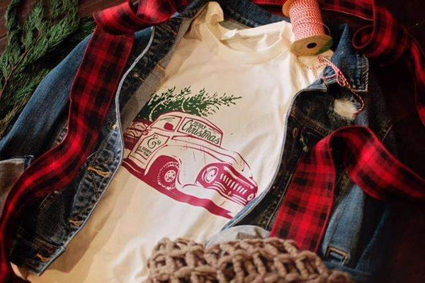 """Old Vintage Truck"" holiday tee"