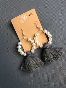 Plunder -Pearl * tassel earrings