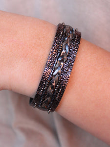 Genuine leather/seed bead metallic snap closure bracelet -black