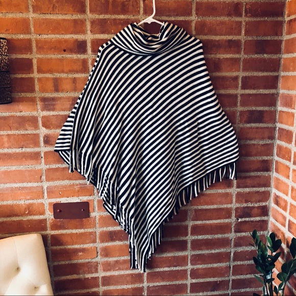 Black and Whit Poncho