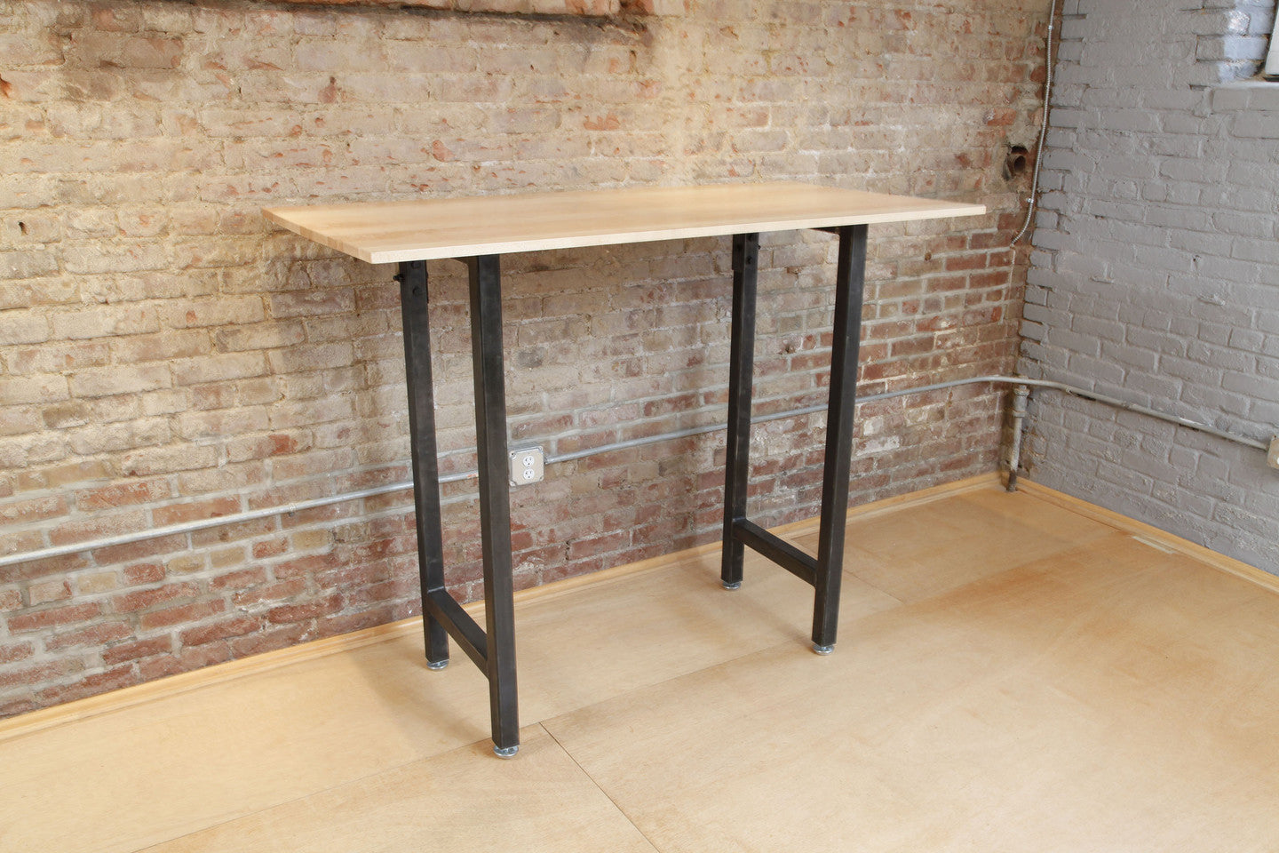 Custom Configurations for the Standing Desk