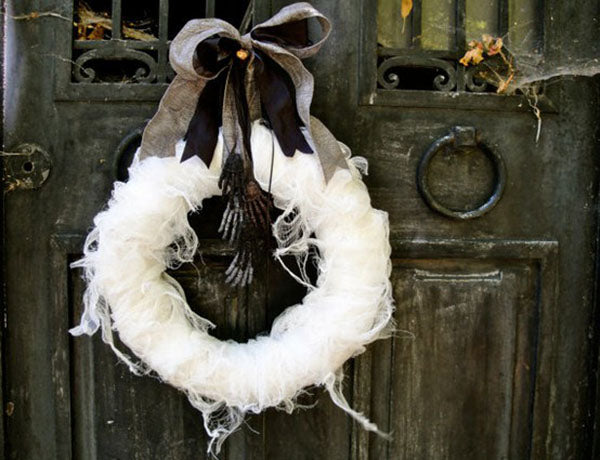 Mummified Wreath - This Structured Fabric Coils Into a Beautiful Scare