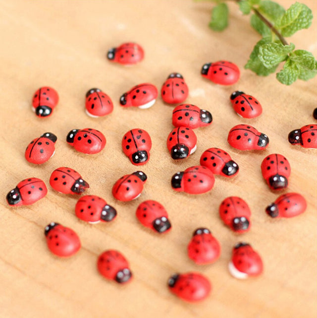 100Pcs Miniature Decorations Coccinella Septempunctata Resin Crafts DIY Little Animal Figurines Mini Landscape Garden Decor