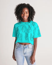 Laden Sie das Bild in den Galerie-Viewer, Dwayne Elliott Collection Women's Lounge Cropped Tee