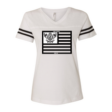 Laden Sie das Bild in den Galerie-Viewer, Women's Football V-Neck Fine Jersey Tee