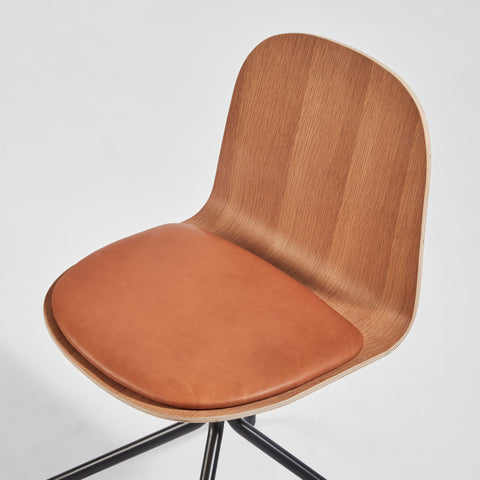 Potato Chair - Oak + Seat Pad - Swivel Base