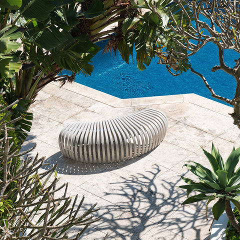 Ribs Bench Outdoor | Aluminium Metal Outdoor Seating Furniture | Stefan Lie | DesignByThem