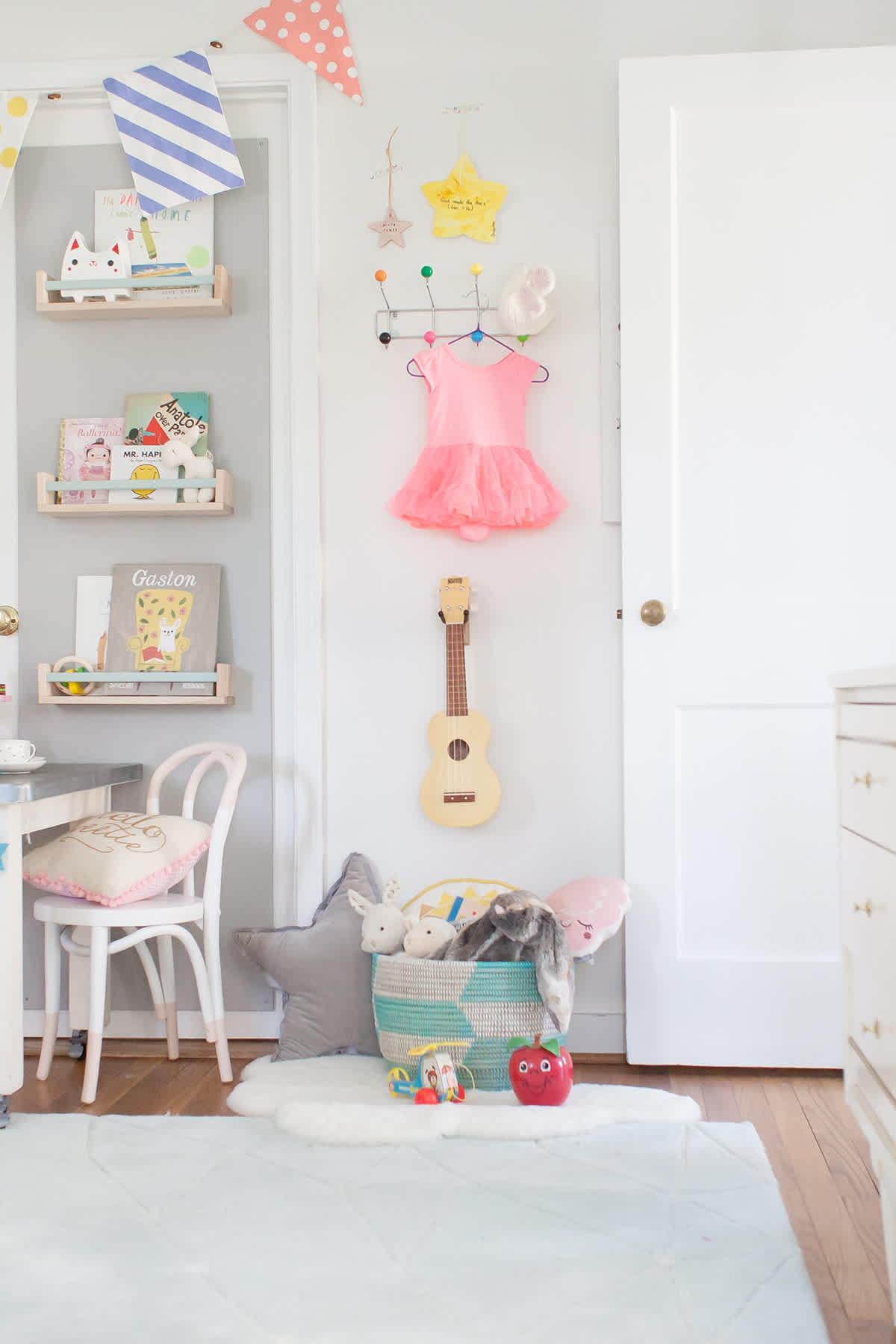 ikea-spice-rack-shelves-ideas-nursery-kids-bedroom-playroom-dyi-hack
