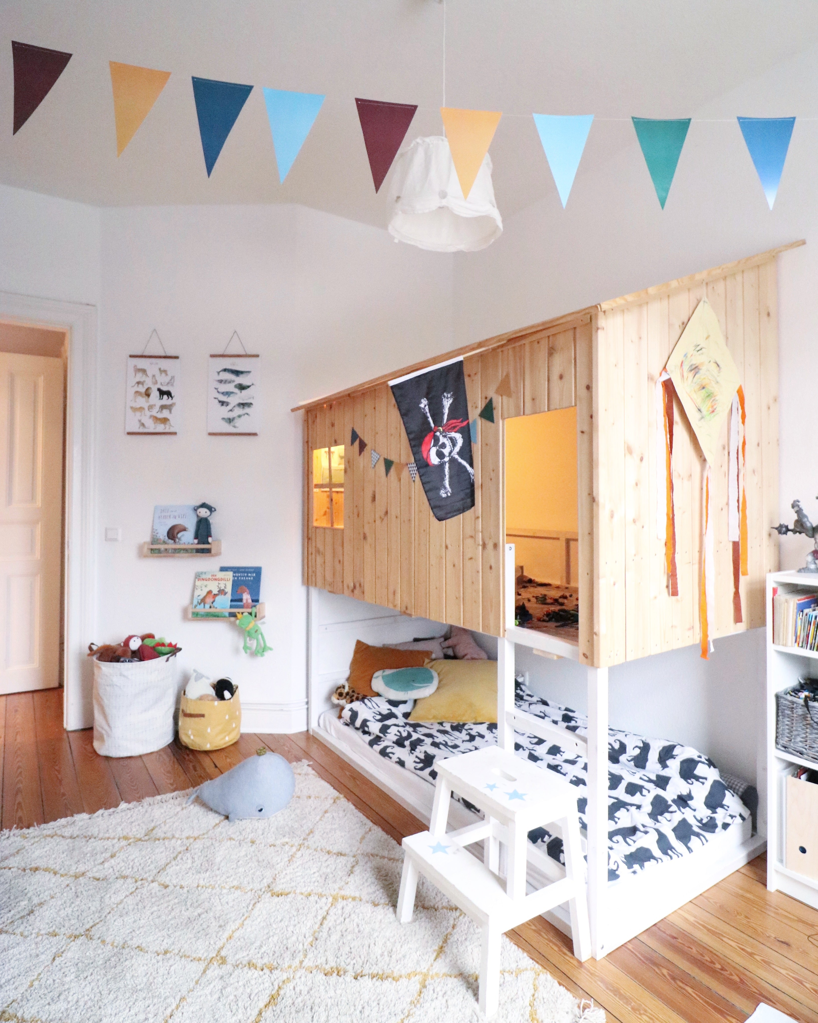 ikea-hack-kids-camp-bed-ideas-inspiration-kura-bed