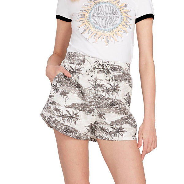 Vacay Me Short // Star White