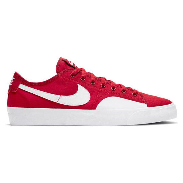 Nike SB Blazer Court // Gym Red/White-Gym Red-Gum Light Brown