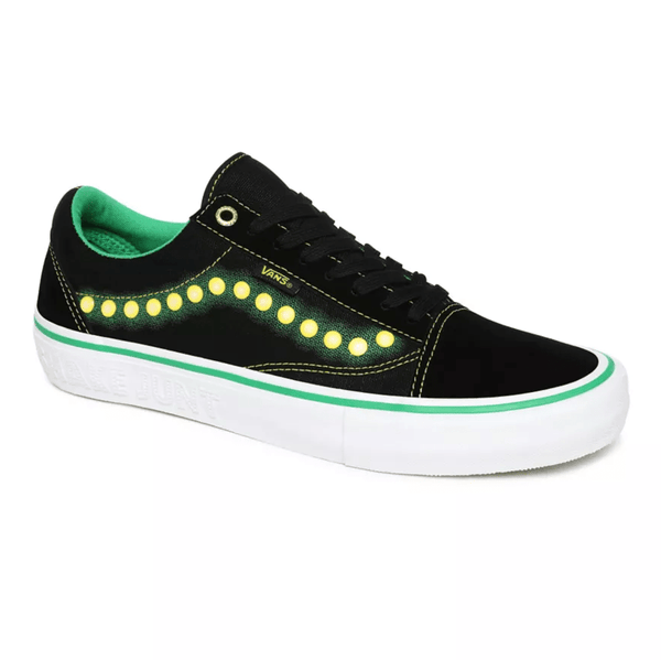 Black Old Skool Pro (Shake Junt) // Black/White Sneakers Vans