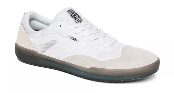 Lavender Ave Pro // White/Smoke Sneakers Vans