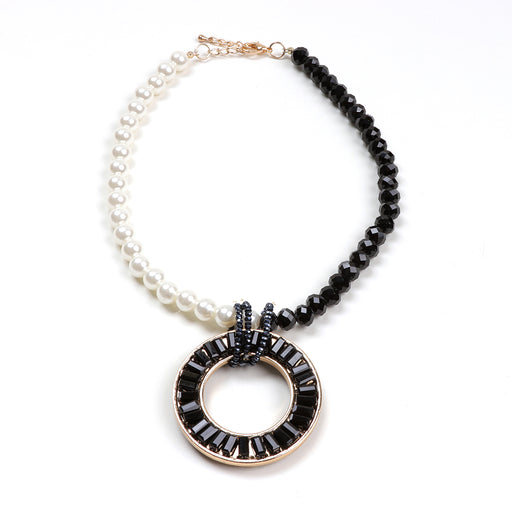 Dalia Circle Pendant Pearl Necklace