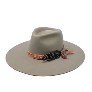 MONTANA WIDE BRIM FEDORA WITH VINTAGE SILK WRAP IN ANTIQUE