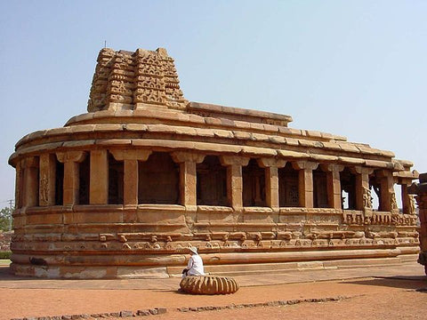 Aihole-Badami-pattadakal-hampi-Tour-Packages-sere-serendipity-holidays-from-hyderabad-telangana-tours-800-800