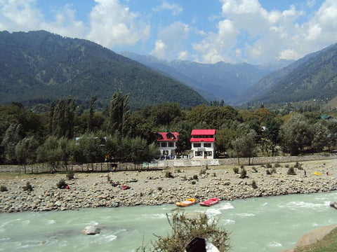 Pahalgam-amarnath-tour-packagesIndia-www.serendipityholidays.in