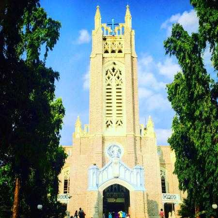 medak-church-Cathedral-tourist-places-near-hyderabad-serendipity-holidays-telangana-tours-packages-800-800