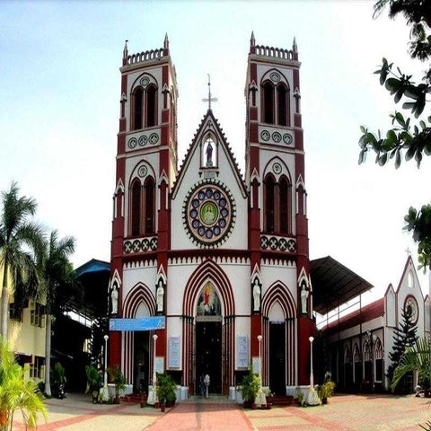 serendipity-holidays-hyderabad-telangana-pondicherry-church-of-sacred-heart-of-jesus-800x800