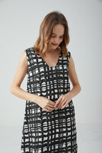 Load image into Gallery viewer, [NEW] Black Checks Dress by Ja.Socha