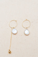 Load image into Gallery viewer, [NEW] Freshwater Pearl Avon Earrings by Nuavo