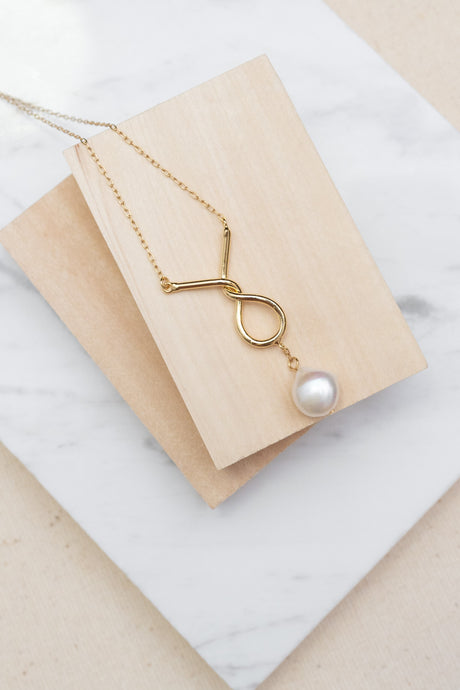 [RESTOCKED] Freshwater Pearl Eiffel Necklace by Nuavo